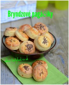 Bryndzové pagáčiky Russian Recipes, Baked Potato, Hamburger, Biscuits, Muffin, Bread, Baking, Breakfast, Cake