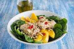 Μια γευστική σαλάτα με σπανάκι μάνγκο και φρέσκο σολομό σε περιμένει - http://ipop.gr/sintages/salates/mia-gefstiki-salata-me-spanaki-mangko-ke-fresko-solomo-se-perimeni/