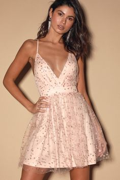 Dance the night away in the Lulus Favorite Moment Pink and Gold Star Print Skater Dress! Plunging mini dress has a sheer mesh overlay and glittery gold stars. Hoco Dresses, Dance Dresses, Pretty Dresses, Casual Dresses, Halter Dresses, Short Homecoming Dresses, Pink Party Dresses, Shift Dresses, Sleeve Dresses