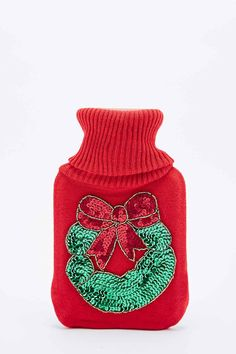 """Wärmflasche """"Christmas Wreath"""" in Rot - Urban Outfitters"""