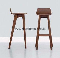 Kursi Bar Simple Kayu Jati - perabot pendukung yang kegunaannya sangat penting di dalam cafe atau bar anda karena mampu menunjang dalam dekorasi , dengan mo