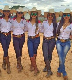 Trendy Spring Outfits That Will Enchant You Country Girl Outfits, Cute Cowgirl Outfits, Cowboy Boot Outfits, Hot Country Girls, Rodeo Outfits, Country Fashion, Western Outfits, Cute Outfits, Western Dresses