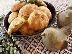 Lenka včelka: ZELNÉ KYNUTÉ PLACKY Cornbread, Hamburger, Ethnic Recipes, Food, Millet Bread, Essen, Burgers, Meals, Yemek