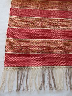 Braided Wool Rug, Woven Rug, Textiles, Rag Rugs, Tear, Weaving Techniques, Twine, Loom, Bohemian Rug