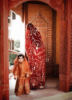 pictame webstagram Princess Brijaambika of Karauli with her mother , Her highness Anshika kumari ji of Ramnagar-Dhameri ( Yuvrani of Karauli ) We are Krishnavanshi Rajputs - We Brake Bones Not 💓 heart . Traditional Wedding, Traditional Art, Rajasthani Dress, Rajputi Dress, Indian Bridal Outfits, Hand Work Embroidery, Beauty Around The World, Royal Dresses, Silver Anklets