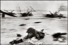 "Robert Capa ""Omaha Beach"", saisie le 6 juin 1944."