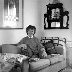 Jean at home - Craig Bragdy