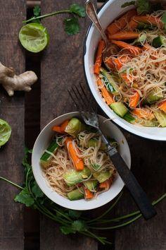 Vegan Vermicelli Salad. Easy, healthy and super tasty - kochkarussell.com