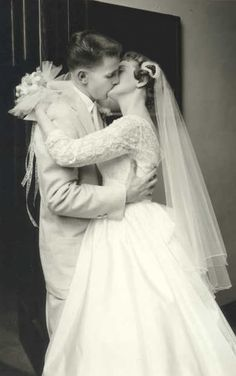 +~+~ Vintage Photograph ~+~+ You may kiss the bride