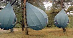 Tree Tents fueron diseñadas originalmente para Road Alert Group, grupo de activistas que luchan contra la construcción excesiva de carreteras a través de bosques en Gran Bretaña.