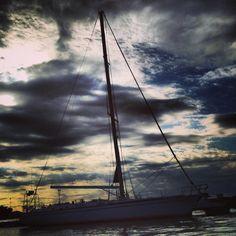 千葉県の保田漁港まで、ヨットで行った時の写真です。  http://www.tokyowaterways.com/