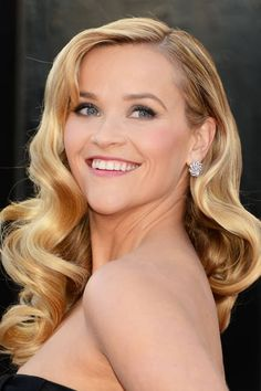 Reese Witherspoon glowed, as usual, at last night's Oscars