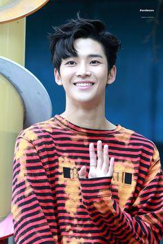 rowoon | Tumblr Laughing Emoji, Sf 9, Fnc Entertainment, Rap Monster, First Dance, Asian Boys, Most Beautiful Man, Handsome Boys, K Idols