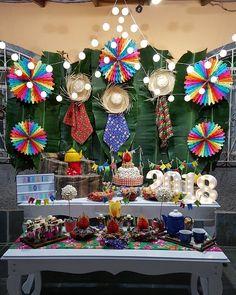 Painel de Festa Junina: 70 modelos e tutoriais para um verdadeiro arraiá Birthday Parties, Presentation, Baby Shower, Party, Anime, Instagram, Patio Design, Theme Parties, Candy Stations