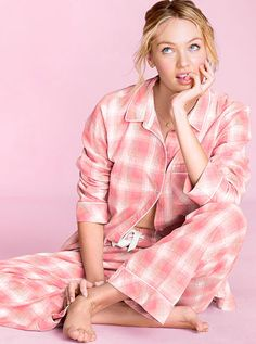 The sexiest panties & lingerie. The most beautiful Supermodels. Discover what's hot now - from sleepwear and sportswear to beauty products. Pajamas All Day, Cozy Pajamas, Flannel Pajamas, Pajamas Women, Candice Swanepoel, Pyjamas Victoria Secret, African Models, Dolce E Gabbana, Bra Lingerie