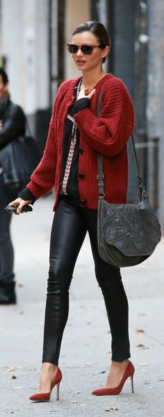 miranda Street Style ♥ great way to wear a chunky sweater.