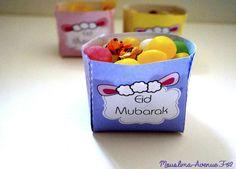 Spécial Eid : Boites Bonbons à imprimer gratuitement ! | Mouslima Avenue FREE PRINTABLE EID AL AHDAA Diy Eid Decorations, Ramadan Decoration, Eid Moubarak, Eid Al Adha, Ramadan Activities, Eid Party, Happy Eid, Idee Diy, Diy Crafts