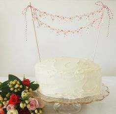 Fabulous Product: Miniature Bunting Makes a Darling Cake Topper