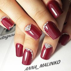 30 gorgeous christmas nail art ideas to beautify the moment 9 Beautiful Nail Designs, Beautiful Nail Art, Hot Nails, Hair And Nails, Ring Finger Nails, Glittery Nails, Almond Acrylic Nails, Nagel Gel, Fabulous Nails