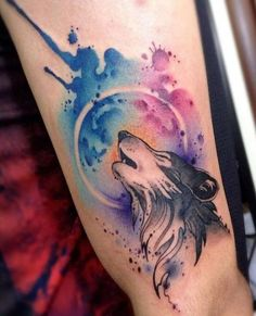 Aquarell Wolf Tattoo - My list of the most creative tattoo models Aquarell Tattoo Schrift, Aquarell Wolf Tattoo, Watercolor Wolf Tattoo, Watercolor Animals, Watercolor Artists, Watercolor Ideas, Abstract Watercolor, Wolf Tattoo Design, Tattoo Designs