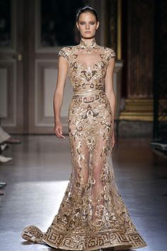 The always amazing Zuhair Murad does it again. I love the Greek Key detailed in gold!