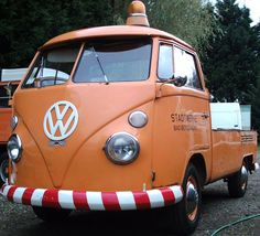 Eduardo Pérez-Ascanio VW. Tenerife: Historia del Escarabajo: Volkswagen Kombi #VolkswagenType2 Volkswagen Westfalia Campers, Volkswagen Type 2, Volkswagen Transporter, Volkswagen Bus, Tenerife, Vehicles, Buses, Trucks, Magic