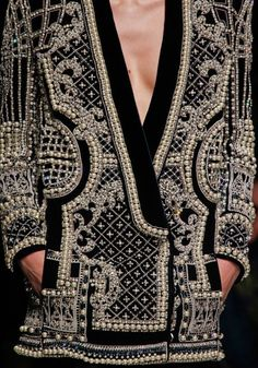 Balmain Fall 2012 RTW - Details - Fashion Week - Runway, Fashion Shows and Collections - Vogue Fashion Week Paris, Runway Fashion, High Fashion, Fashion Show, Womens Fashion, Trendy Fashion, Style Fashion, Beaded Jacket, Embroidered Jacket