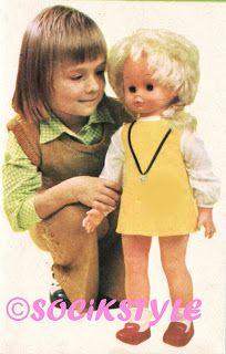 HRAČKY ČSSR- Tuhle panenku mám dodneška, jmenuje se Lucinka a hrají si s ní neteřinky:-)