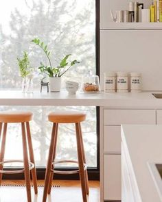Loft Breakfast Bar Kitchen Window Interior Design 61 Ideas The Crazy Gaz Kitchen Window Bar, Kitchen Bar Counter, Breakfast Bar Kitchen, Kitchen Nook, Rustic Kitchen, Kitchen Dining, Breakfast Nooks, Breakfast Bars, Dining Rooms