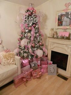 Thinking about girly and shabby chic Christmas trees? Then try these adorable Pink Christmas tree Ideas that will make your hme look romantic & magical. Noel Christmas, All Things Christmas, Silver Christmas, Victorian Christmas Tree, Christmas Mantles, Vintage Christmas, Christmas Ideas, Christmas Ornaments, Pink Christmas Tree Decorations