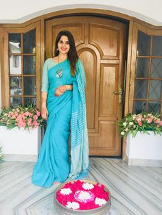 Saree love Simple Sarees, Trendy Sarees, Indian Attire, Indian Wear, Ethnic Fashion, Indian Fashion, Indian Dresses, Indian Outfits, Saree Photoshoot