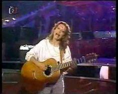 Lenka Filipova sings Prý se tomu říká láska
