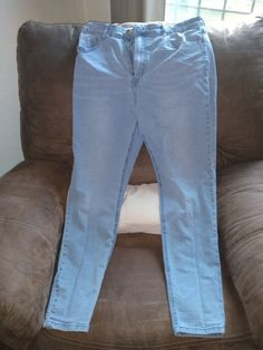 Forever 21 Jeans Size 31 on Mercari Gypsy Style, Bohemian Style, Boho Chic, Header, Chic Fashionista, Seoul, Brown Eyed Girls, Bohemian Accessories, Stretch Jeans