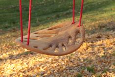 Leaf Swing: Handmade by Spanish artisans of solid Cerejeira wood. #Swing #Leaf_Swing
