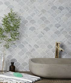 Ca Pietra Scallop Baobab Silver Blue Limestone MosaicScallop tiles combine classic and contemporary design in one with our delicate Zen Marble Mosaics. Honed Marble, Marble Mosaic, Mosaic Tiles, Mosaic Tile Bathrooms, Limestone Tile, Stone Tiles, Scallop Tiles, Natural Stone Flooring, Natural Stone Bathroom
