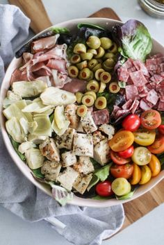Chopped Chicken Antipasto Salad [low-carb, whole paleo] - Casa de Crews Salad Recipes Low Carb, Paleo Recipes, Cooking Recipes, Antipasto Salad, Cobb Salad, Antipasto Plate, Clean Eating, Salad Dressing Recipes, Dinner Salads