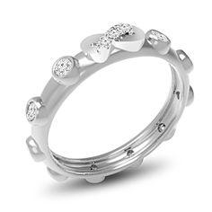VERETTA INFINITY | Veretta. Questo modello è composto da 10 diamanti taglio brillante montati a battita e da 3 diamanti taglio brillante montati con microgriffe posti sull'Infinity. I 3 diamanti sull'Infinity pesano ciascuno 0.005ct. Il peso dei 10 Diamanti montati a battita è disponibile con pietre da 0.03ct e da 0.05ct, per un totale dei carati che varia da 0.32ct a 0.52ct. Tutti i diamanti sono disponibili in I, H, G ed F colore e in VS1 ed SI1 purezza.