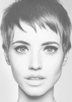 Pixie cut and eyeliner. I wish I could pull off a pixie. Bridal Hair Tips, Short Bridal Hair, Pixie Wedding Hair, Dramatic Eye Makeup, Dramatic Eyes, Retro Hairstyles, Pixie Hairstyles, European Hairstyles, Hairstyles 2016