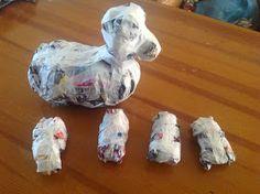 Kreakipje: Papier Maché hond Valentine Box, Crafts For Kids, Scrap, Dogs, Preschool, Stage, Craft Ideas, Ideas, Plastering