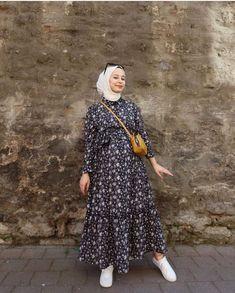 Hijab Fashion Summer, Modest Fashion Hijab, Modern Hijab Fashion, Modesty Fashion, Hijab Fashion Inspiration, Islamic Fashion, Muslim Fashion, Fashion Outfits, Fashion Muslimah
