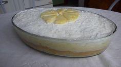 O Bolo de Abacaxi na Travessa é incrível. Vale a pena fazer esse bolo para o lanche ou a sobremesa! Veja Também: Bolo Napolitano na Travessa Veja Também: B