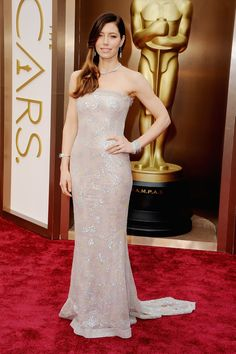 Jessica Biel at the 2014 Oscars -  Metallic dresses trend