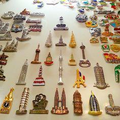 759 отметок «Нравится», 47 комментариев — Fridge Magnets Collection  (@magneslav) в Instagram: «Вечер. Новая доска. Раскладка.  _______________  #fridgemagnets #magnets #myhobby #hobby…»