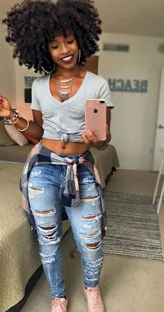 48 Crop Shirts For Your Perfect Look This Winter Black girl fashion Curvy Girl Outfits, Hip Hop Outfits, Cute Outfits, Curvy Girl Style, Black Girls Outfits, Hipster Outfits, Jean Outfits, Work Outfits, Black Girl Fashion