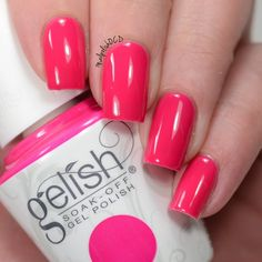 Dress up your nails in style in this of the moment mani by Jessica using her gifted Gelish Soak-Off Gel Polish in Woke Up This Way! Show off #SelfieReadyNails in this limited edition salon-only hue.  Products were gifted as part of the Preen.Me VIP program together with Gelish.