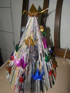 Arvore de Natal de revista com Tsuru (tree - christmas - paper crane - magazines)