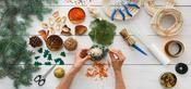 Un atelier DIY consacré aux décorations de Noël végétales lors du Salon Saveurs Figaro, Diy, Interior Decorating, Atelier, Bricolage, Do It Yourself, Homemade, Diys, Crafting