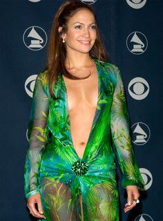 Jennifer Lopez Green Dress, Jennifer Lopez Bikini, Beautiful Bollywood Actress, Beautiful Indian Actress, Sexy Outfits, Sexy Dresses, Versace, Classy Women, Beautiful Celebrities