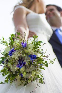 Wedding / Esküvő #nature #wedding #esküvő #bride #menyasszony #vőlegény #menyasszonyiruha #esküvőfotózás #weddingphotography #csokor #virágok