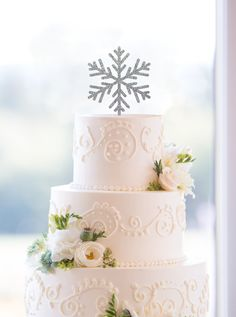 New to ChicagoFactory on Etsy: Snowflake Cake Toppers Holiday Wedding Cake Toppers Elegant Christmas Custom Cake Topper- (S126) (15.00 USD)